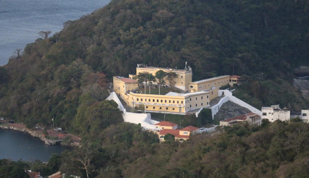 Forte de São João visto da Trilha para o Morro da Urca | Foto de About Rio