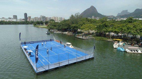 quadra de tênis flutuante